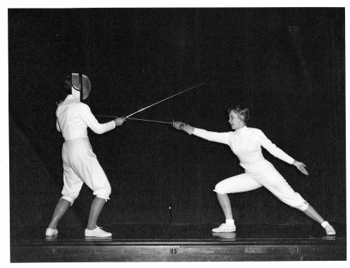 Right: Mignon Holmes A Leading Sala Bella Vista Fencer